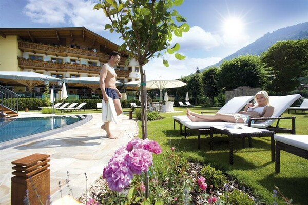 Balance for body and soul in the nature garden | © Verwöhnhotel Berghof