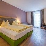 Photo of Fam.-Spass Geisterbe, Double room, shower, toilet, modern conveniences | © Hotel Post Walter