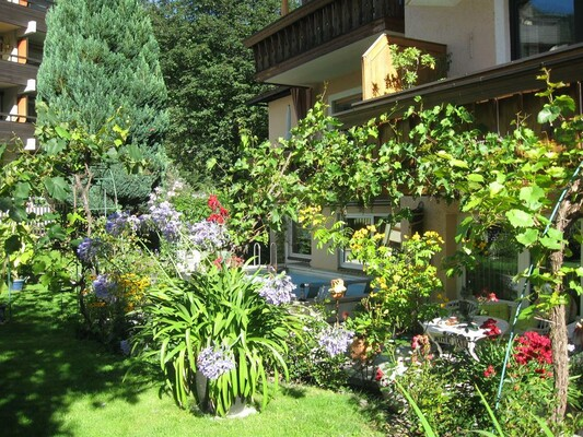 Tiefland-Appartement-Bad-Hofgastein-Pool